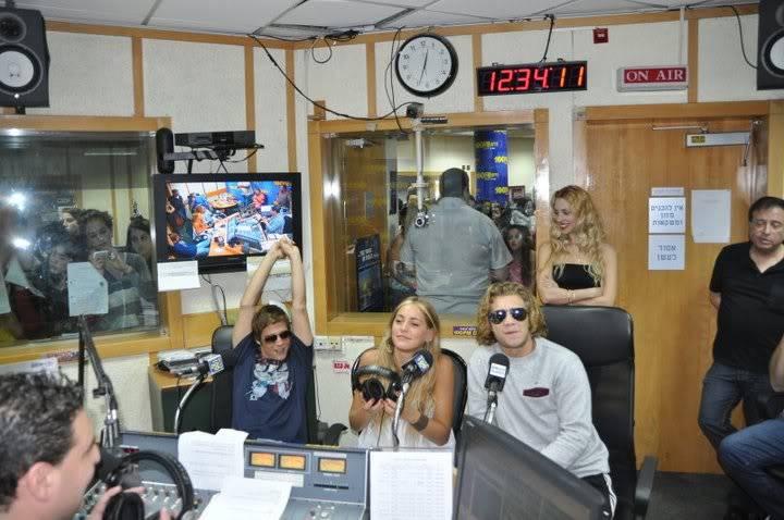 Рочи,Гастон и Нико во израелска радио програма! 189304_207348889276756_100000049404271_816782_4433851_n