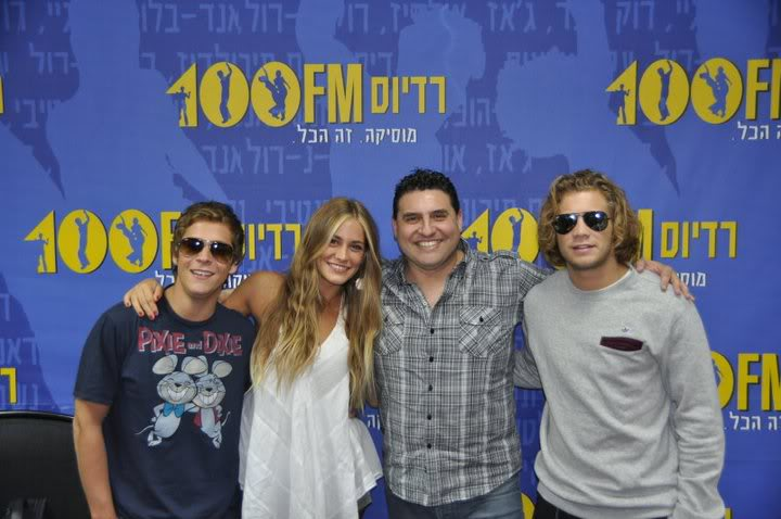 Рочи,Гастон и Нико во израелска радио програма! 189565_207349689276676_100000049404271_816799_2608667_n