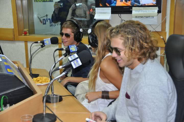 Рочи,Гастон и Нико во израелска радио програма! 199437_207349179276727_100000049404271_816792_4626860_n