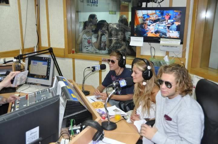 Рочи,Гастон и Нико во израелска радио програма! 200622_207345122610466_100000049404271_816743_4628135_n