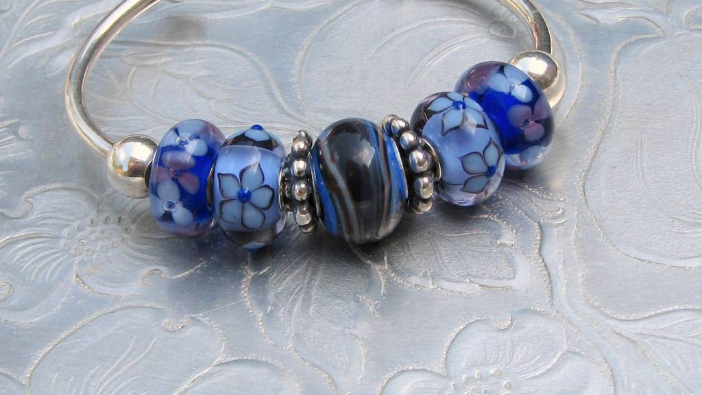 Good Luck starter bracelets - beads to go with Good%20luck%20hillary%20beads16may2015%20009_zpslkqw7uyw