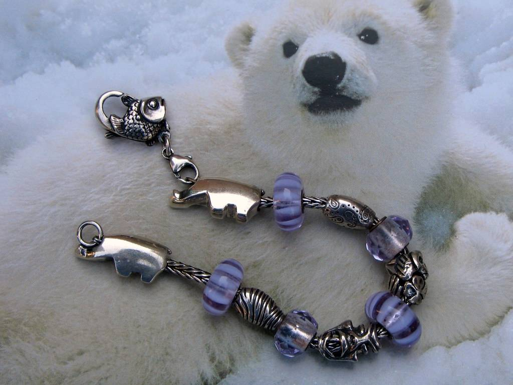 Cooling off with polar bears Polar%20bears%20beads%2016%20aug%202015%20002-001_zpspmkkotyz