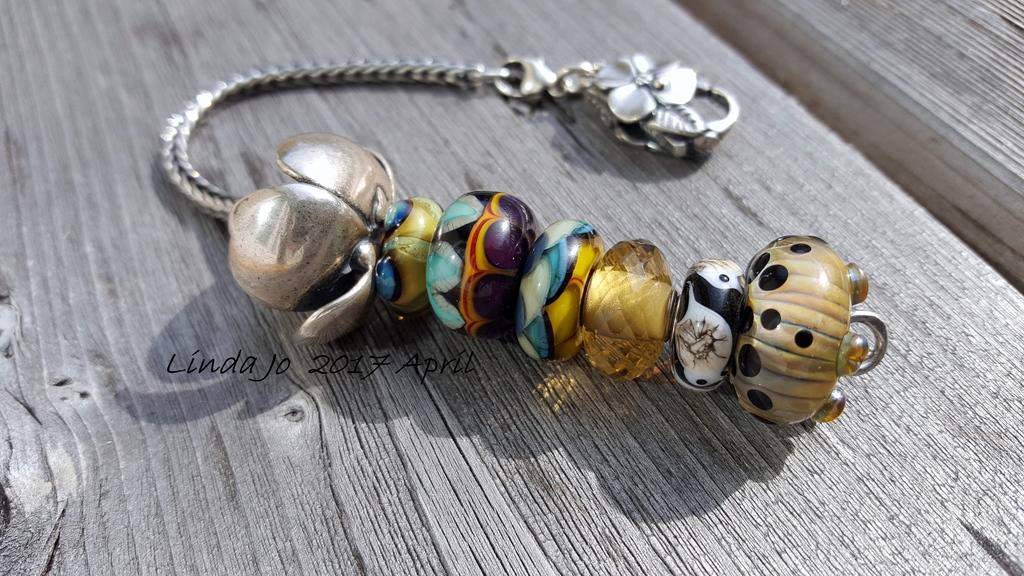 Shadow Flower with Gail Crosman Moore beads Shadow%20Flower%20Gail%20Crosman%20Moore%20beads%20bracelet%2020170403_103012_zps0l4qg3rs