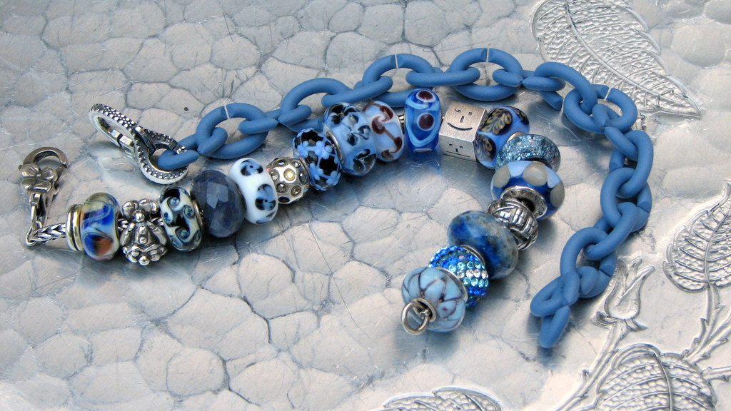 Trollbeads and X Play Nice Together Denim%20blues%2014%20sept%202014%20027_zps0v4pwauo