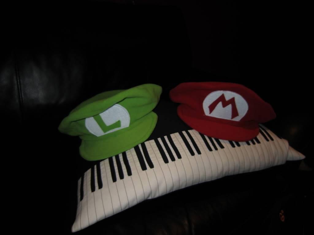 Cappelli Mario e Luigi bros! IMG_0017