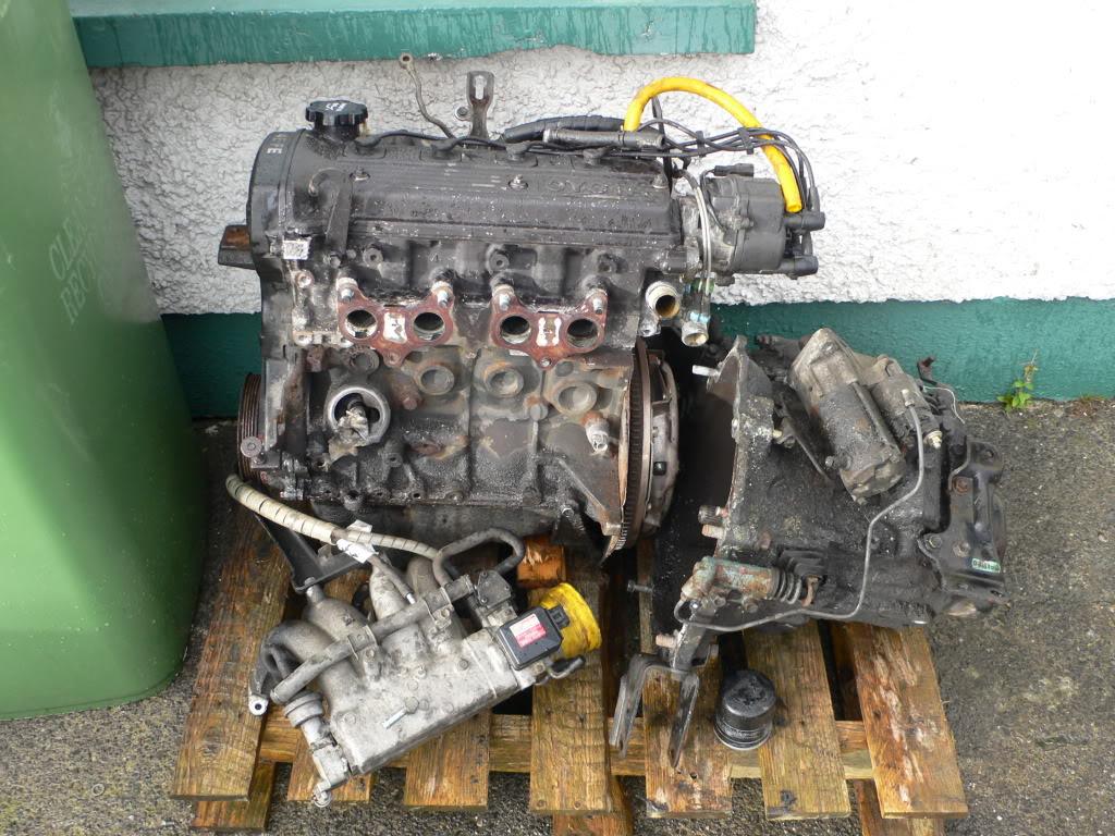 Corolla parts for sale P1070100