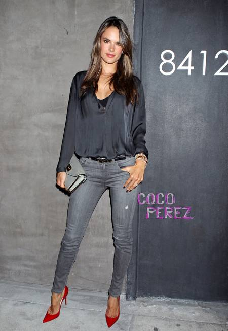 LFM2. CAPITULO 7 Alessandra-ambrosio-nars-flagship-opening-melrose-los-angeles-abaca__oPt_zps4667d3ec