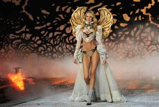 ¿Que Hay De Mi? Capitulo 17  Victorias-Secret-Fashion-Show-2011-Candice-Swanepoel