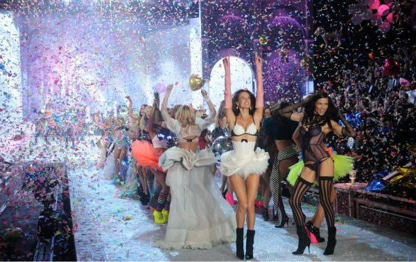 ¿Que Hay De Mi? Capitulo 17  Victorias-secret-fashion-show-030