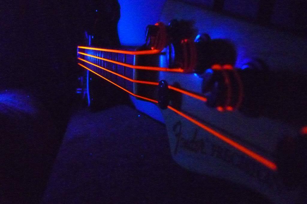 Cordas Fluorescentes (DR NEON Strings) - Página 3 P1040088_zpsaef08955