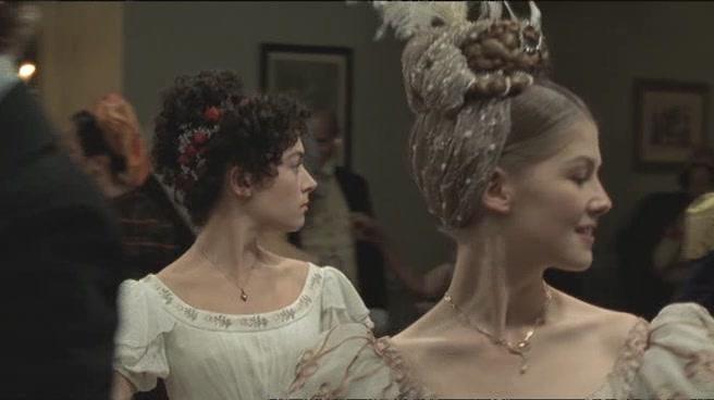 Banquete boda Enrique VIII y Jane Seymour - Página 5 Wives_and_Daughters_-_E02_avi5536