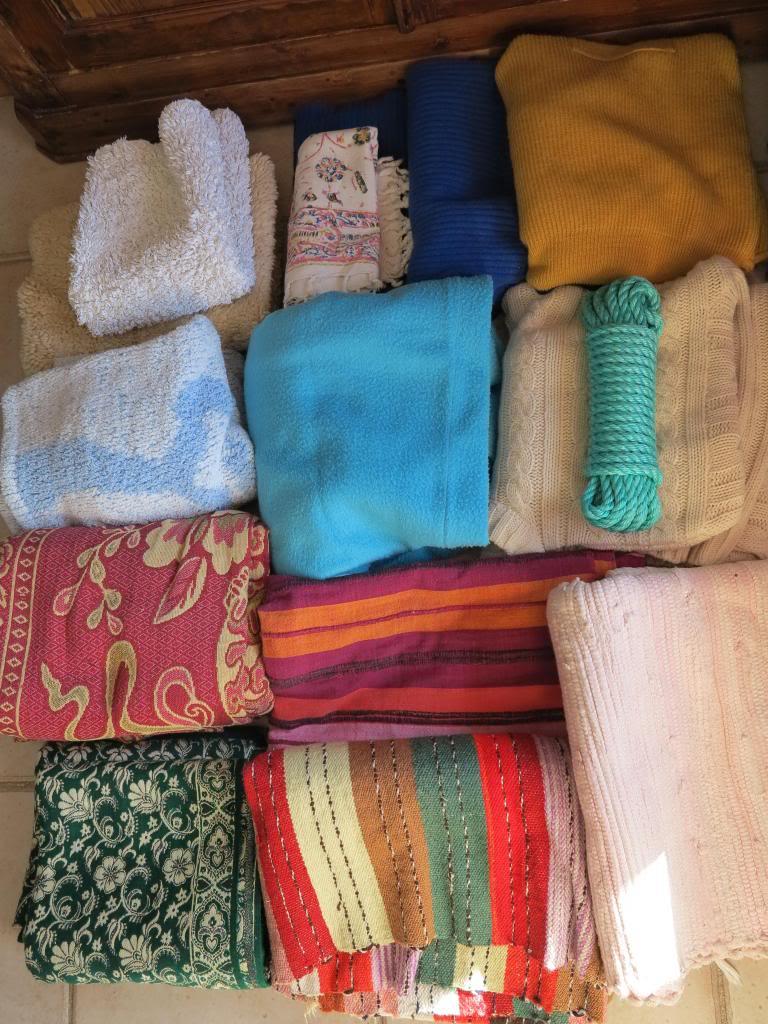 Nourriture, médicaments, jouets, couvertures et divers... IMG_2541_zpscebc8ed5