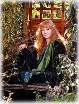 Сказочный мир Жозефины Уолл (Josephine Wall) Josephine_wall_garden