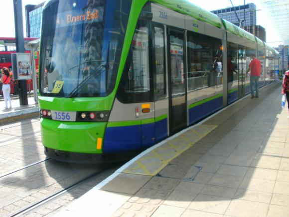 Дизайн общественного транспорта Streetcar4_zps128424fe