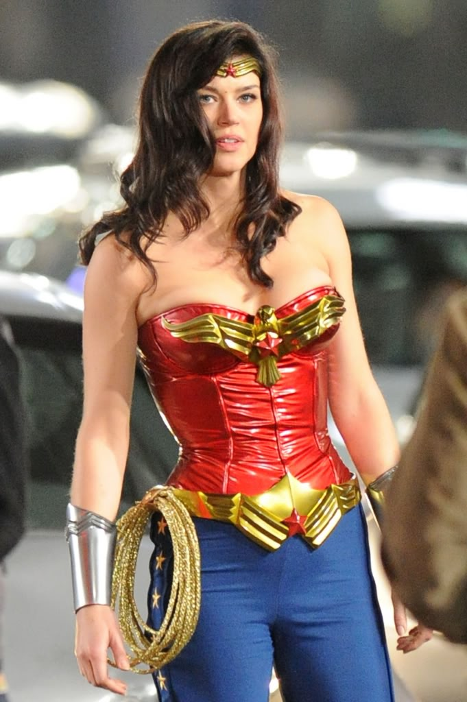 "NBC Green Light Pilot for ""Wonder Woman"" from David E. Kelly  - Page 3 Zwwa10"