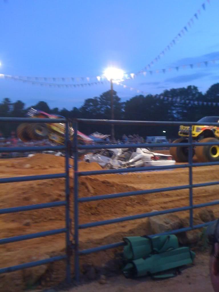 monster trucks friday night  13d65fe7