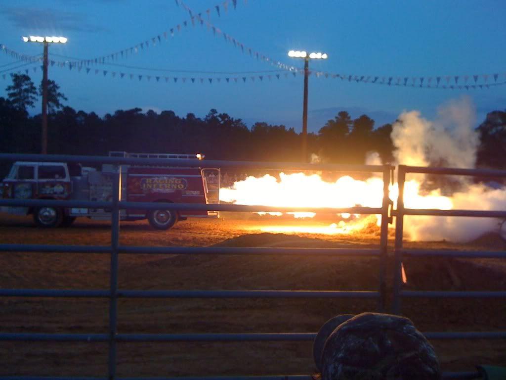 monster trucks friday night  1f2f7732
