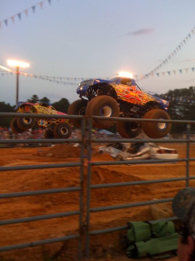 monster trucks friday night  F584a90b