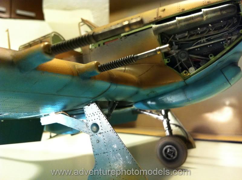 Hawker Hurricane MkII/c Trop - Trumpeter scale 1:24 IMG_1760