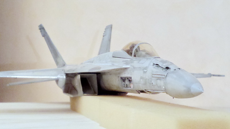 Boeing F/A - 18E Super Hornet Trumpeter kit scale 1:32 20131022_001221