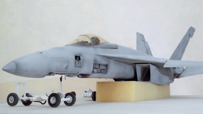 Boeing F/A - 18E Super Hornet Trumpeter kit scale 1:32 20131023_232902