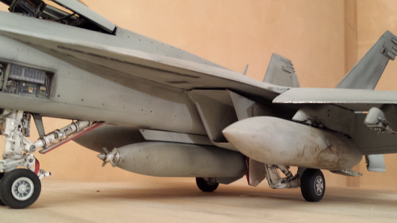 Boeing F/A - 18E Super Hornet Trumpeter kit scale 1:32 20131112_182809