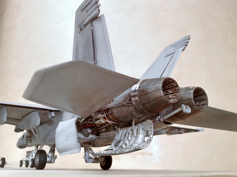 Boeing F/A - 18E Super Hornet Trumpeter kit scale 1:32 IMG_0767