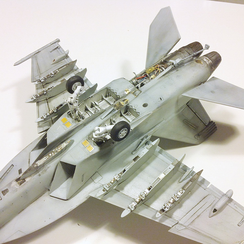 Boeing F/A - 18E Super Hornet Trumpeter kit scale 1:32 IMG_0803