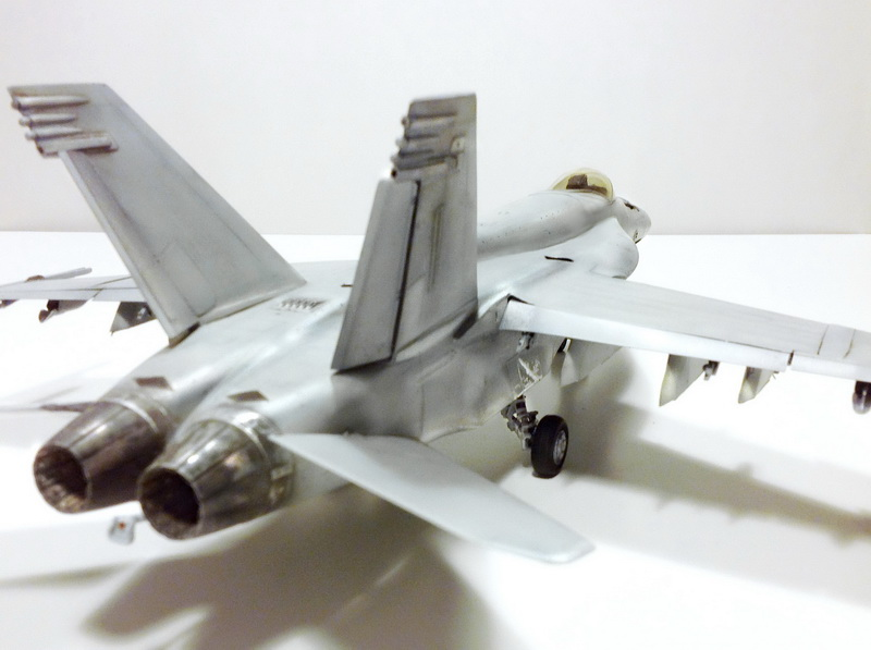 Boeing F/A - 18E Super Hornet Trumpeter kit scale 1:32 IMG_0826
