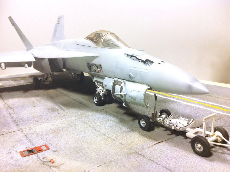 Boeing F/A - 18E Super Hornet Trumpeter kit scale 1:32 IMG_0878