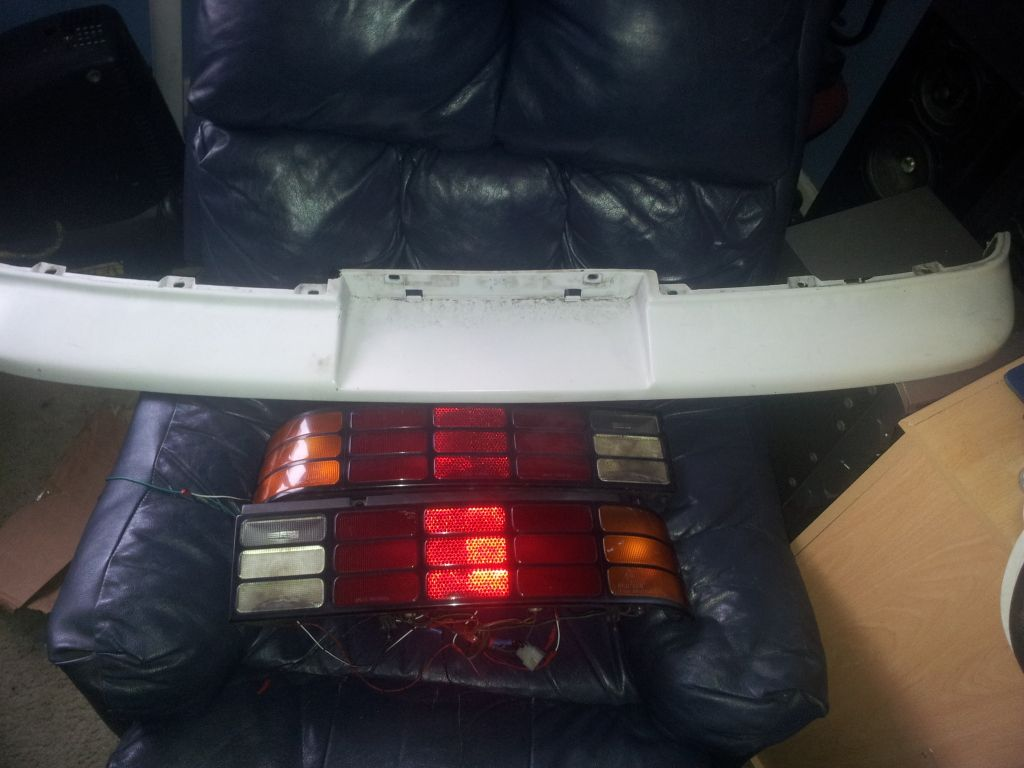 selling my cultus rear lights and top part of bumper 2012-04-09170746