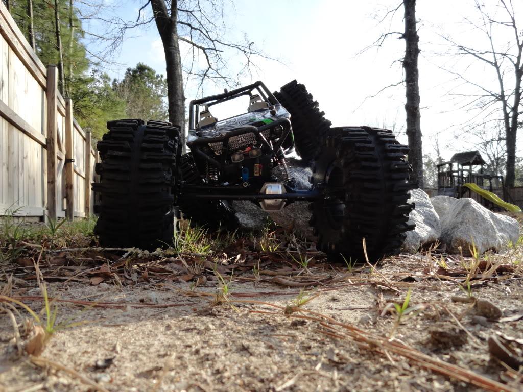 Elargisseur de voies et gros pneus pour wraith.. DSC00149