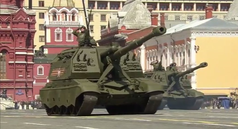 El desfile militar en la Plaza Roja de Moscú celebra la victoria sobre el nazismo 9-5-2015%2017.5.30%208_zpsiknmryey