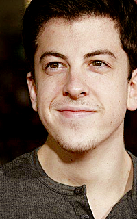 Christopher Mintz-Plasse alias Edward Horvath 003-7