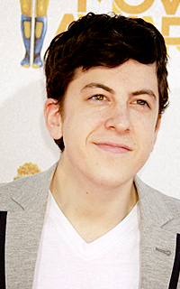 Christopher Mintz-Plasse alias Edward Horvath 005-7