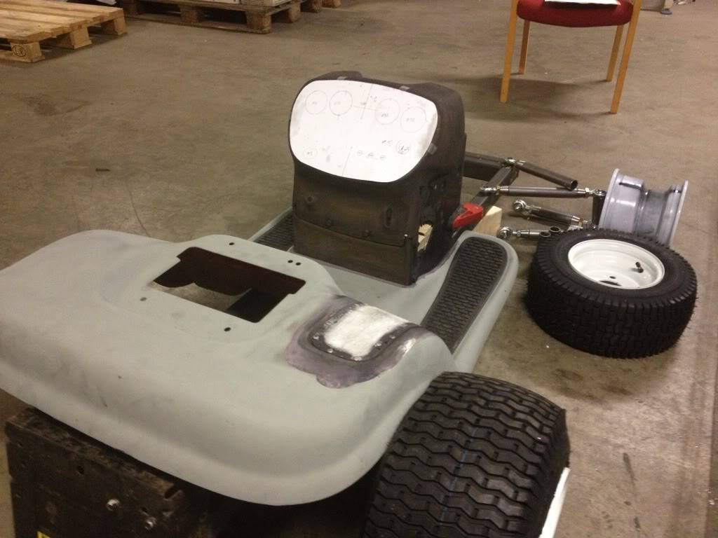 92mph? My new Project, Racing mower! Craftsman / Jonsered LT12 - Page 21 F0F468E6-4160-4048-88CB-E5605D25D67C-50273-00000F0BF530DDAE_zps07964961