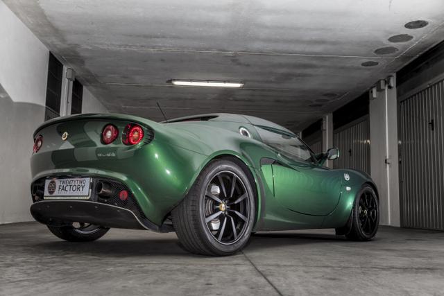 """Gio#22 vs Lotus Elise """"Mentina"""" british racing green _MG_5404_zpsmjxb7j0q"""