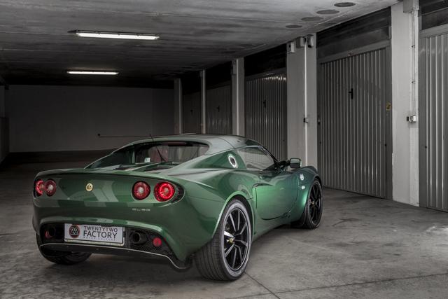 "Gio#22 vs Lotus Elise ""Mentina"" british racing green _MG_5405_zpspsfidpj7"