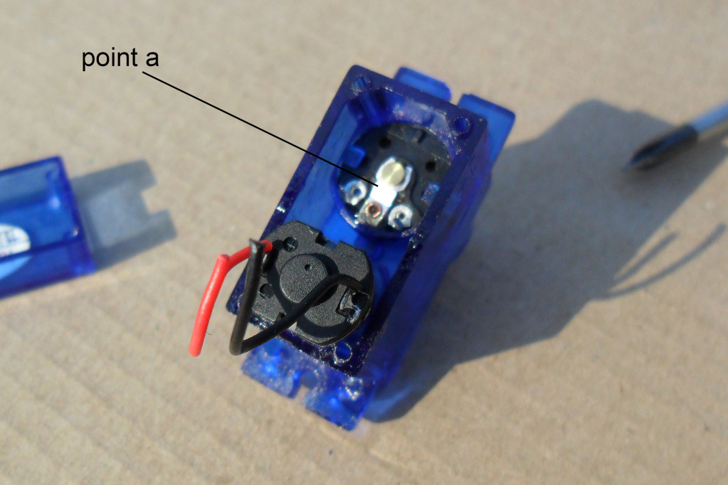 Instructions To Make Continuous Motor From A Servo SAM_1002