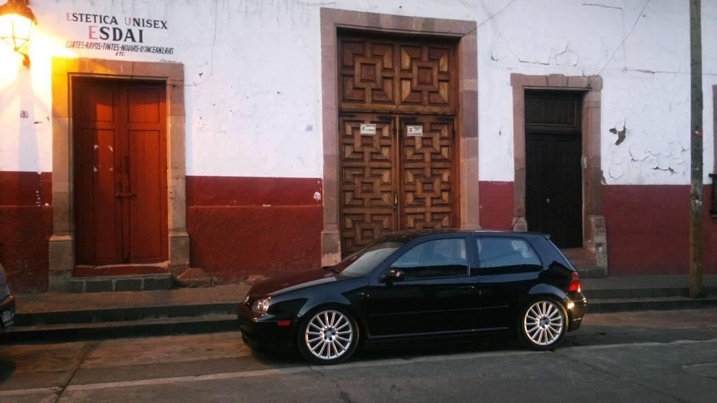 SEÑOR VOLKS EN EL EVENTO DE LOS MUSTANGS... 2012-03-18-075