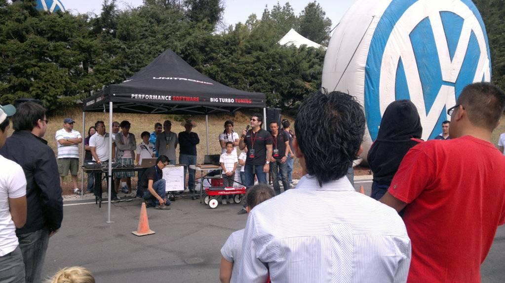 SR VOLKS EN EL 2do GTI OEM MEETING 2012-05-27-192