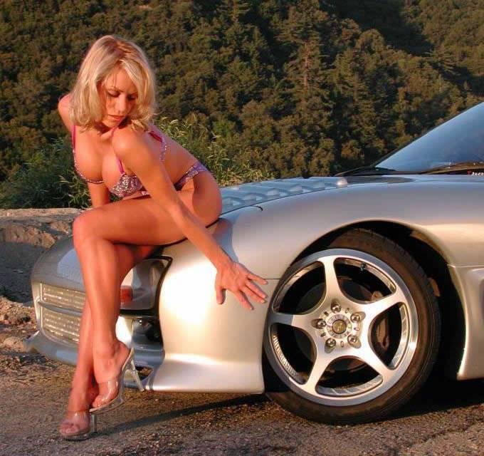 WEDNESDAY MEN!! 6e20c_girls_and_cars_26_jpg5B15D