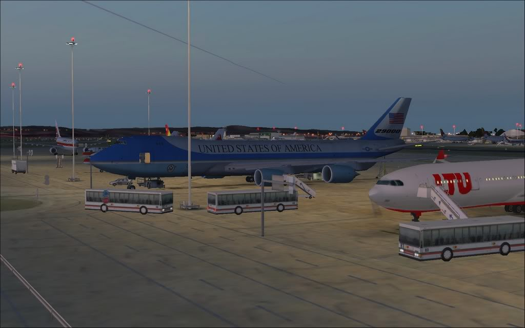 [FS9] - Air Force One na Cimeira da NATO em Lisboa - Partida de LPPT PC1-2010-nov-20-001-1