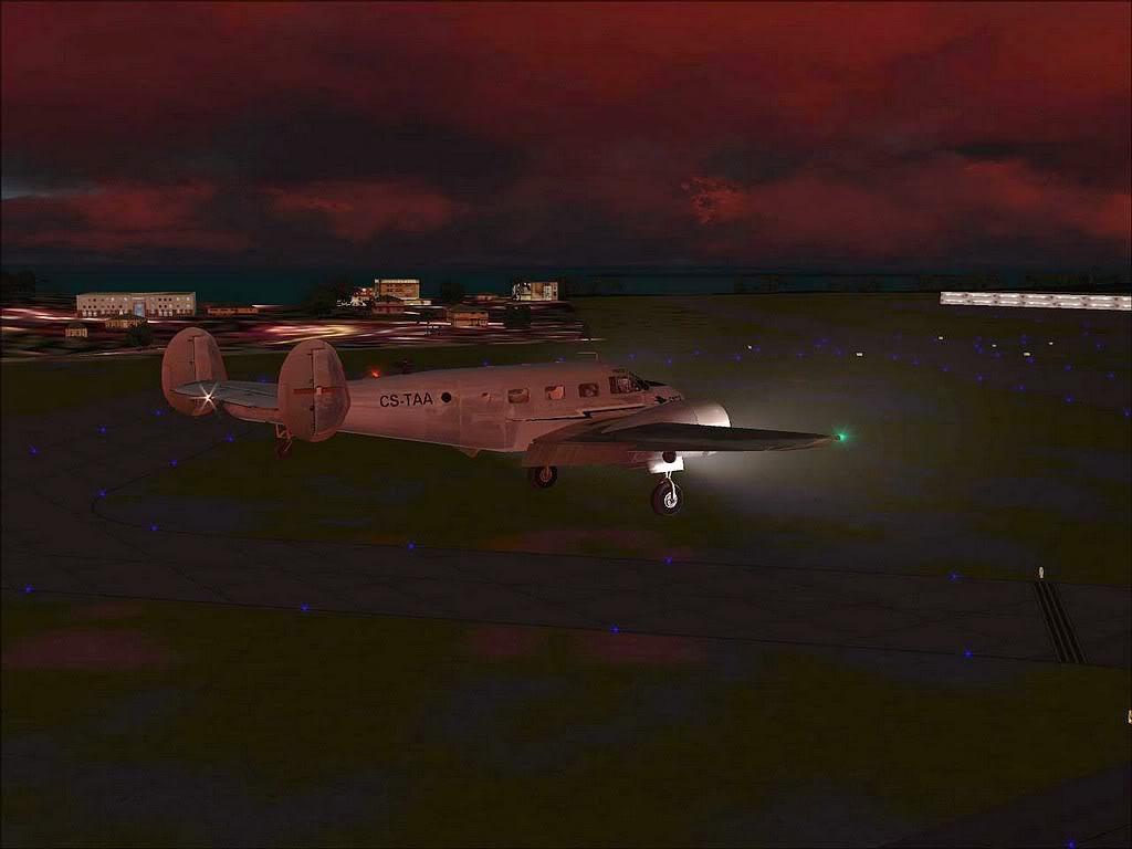 [FS9] - Beechcraft D18 da SATA voando ao fim da tarde nos Açores Beech_D18SATA08