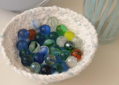 Recipientes y posavasos con telas recicladas Recipientes-de-telas-recicladas-4V
