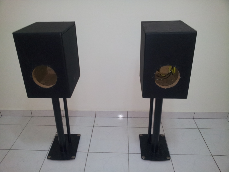 """[WTS] Custom made Enclosure for 7"""" midbass  with soundstyle Z2 speaker stand 20130623_134716_zpsad71ce4d"""