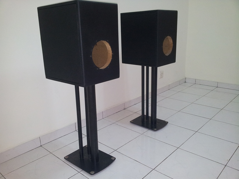 """[WTS] Custom made Enclosure for 7"""" midbass  with soundstyle Z2 speaker stand 20130623_134807_zps98e2e303"""