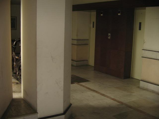 Pictures from my little vacation in India (warning- may take years to load) Elevatorplaceoutsideapartment