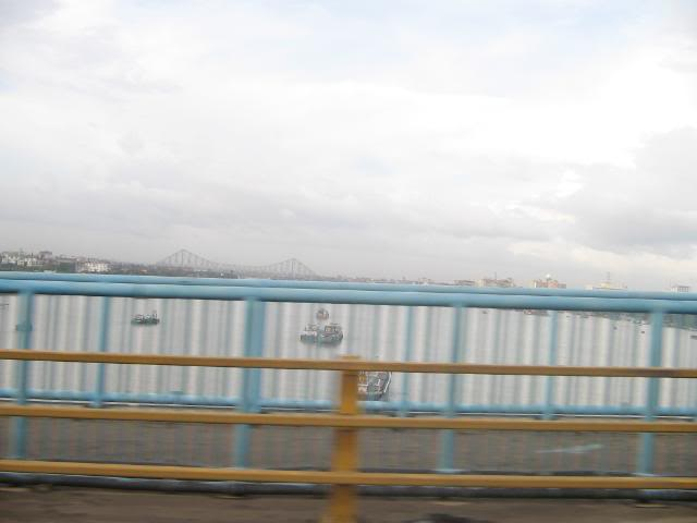 Pictures from my little vacation in India (warning- may take years to load) Howrahbridge2