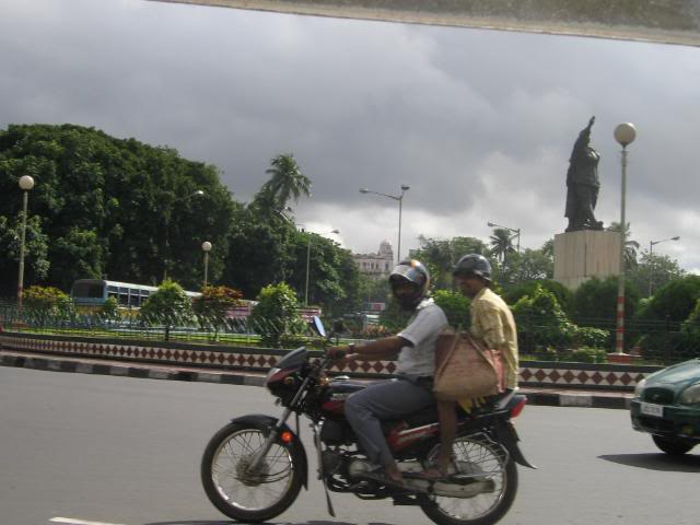 Pictures from my little vacation in India (warning- may take years to load) Lolmotorbike
